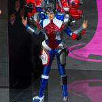 Erin Brady im Transformers Kostüm bei Miss Universe Wahl 2013