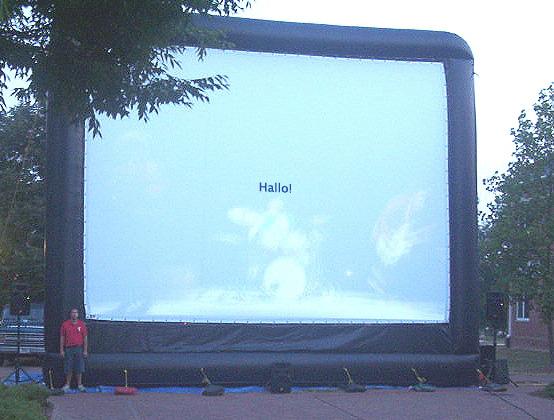 Großer Bildschirm sagt Hallo