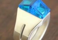 Legoring mit blauen Steinen