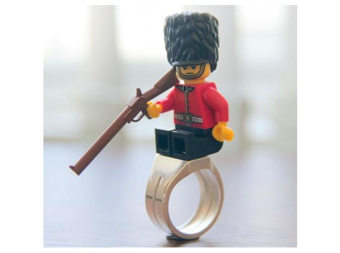 Legosteinring mit britischem Legosoldat